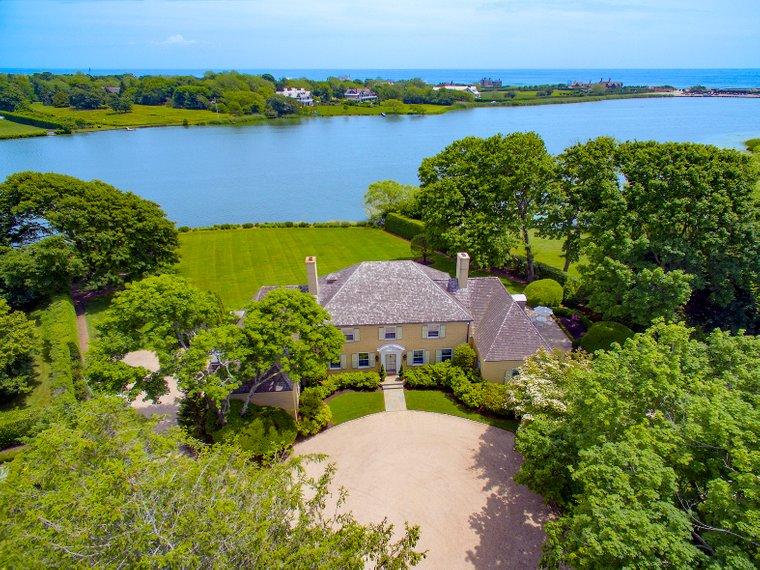 Lake Agawam Estate In Southampton Ny United States For Sale 10776975