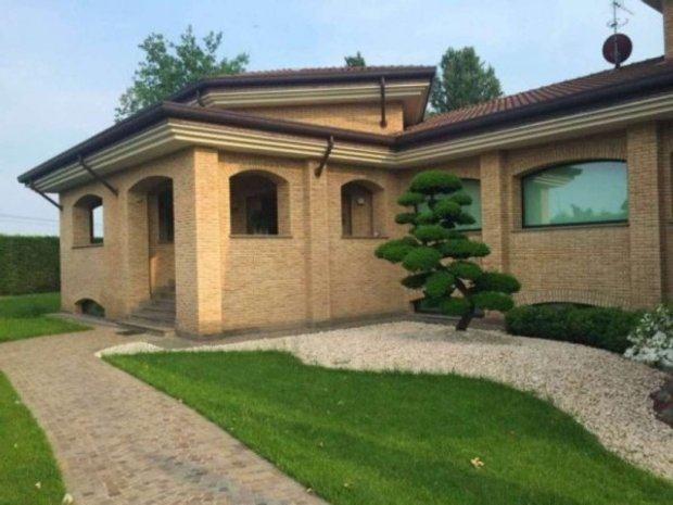 House in Mezzago, Lombardy, Italy 1