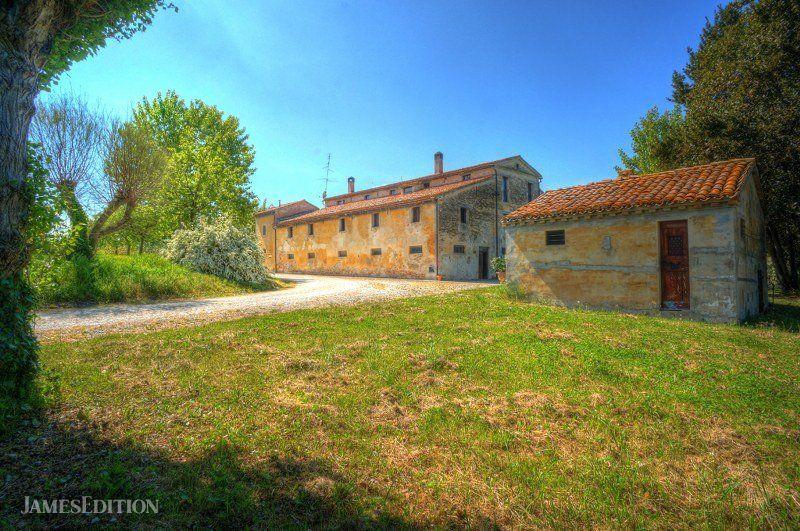 Farm Ranch in Marche, Italy 1