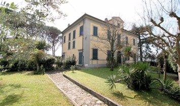 House in Santa Lucia, Tuscany, Italy 1