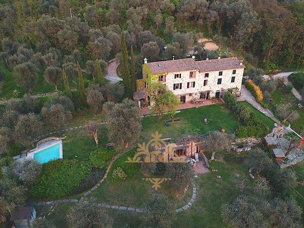 Farm Ranch in Torri del Benaco, Veneto, Italy 1