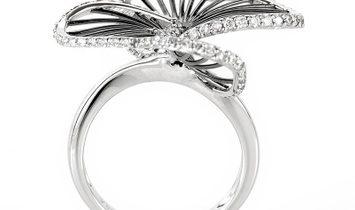 Non Branded 18K White Gold Diamond Openwork Flower Ring