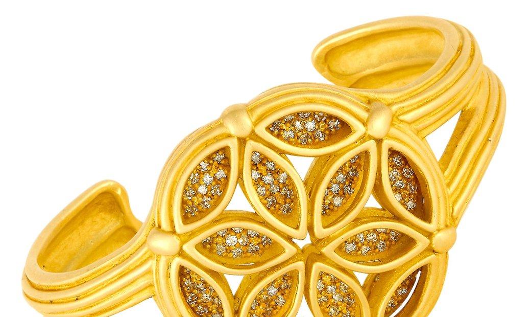 Slane & Slane Slane & Slane 18K Yellow Gold 2.00 ct Diamond Flower Open Bangle Bracelet