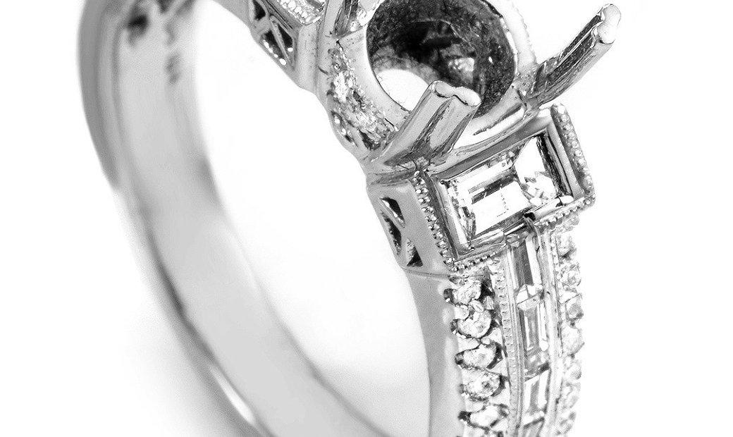 Non Branded 18K White Gold Diamond Engagement Ring Mounting 126005