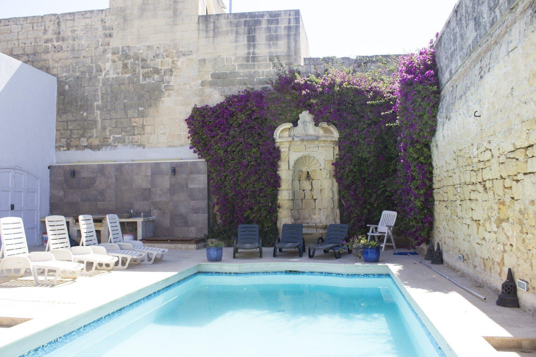 Haz-Zebbug, Malta 1