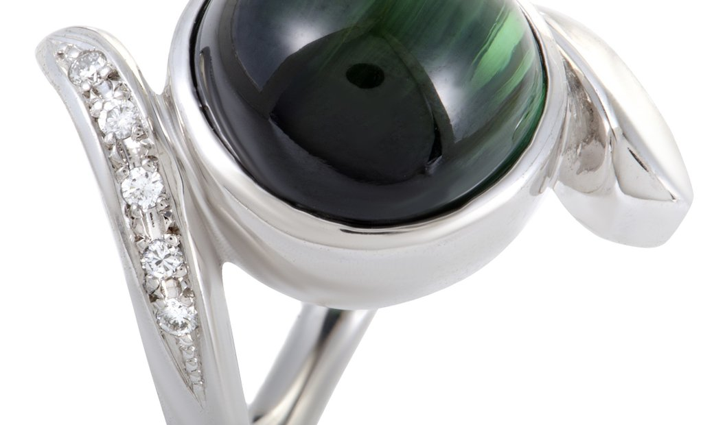 Non Branded 18K White Gold Diamond and Cabochon Green Tourmaline Ring