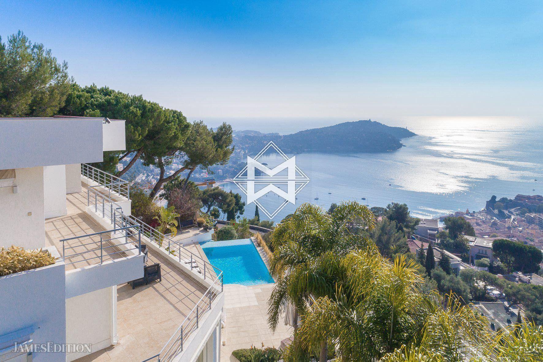 Villa in Villefranche-sur-Mer, Provence-Alpes-Côte d'Azur, France 1 - 10484077