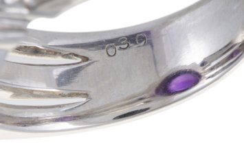 Non Branded Platinum Diamonds and Amethyst Cabochon Ring