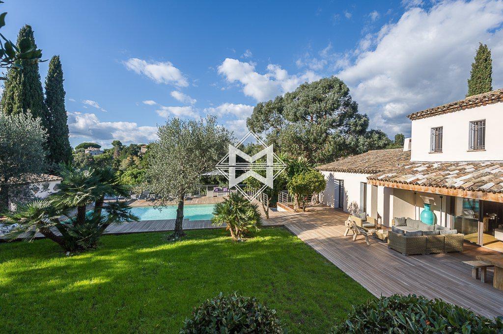 Villa in Cannes, Provence-Alpes-Côte d'Azur, France 1 - 10888929