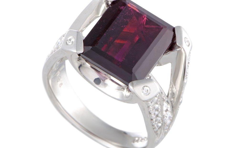 Non Branded Platinum Diamonds and Garnet Rectangle Ring