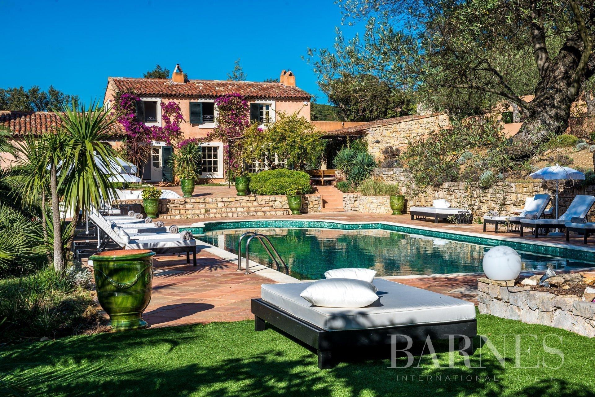 Villa in La Croix-Valmer, Provence-Alpes-Côte d'Azur, France 1