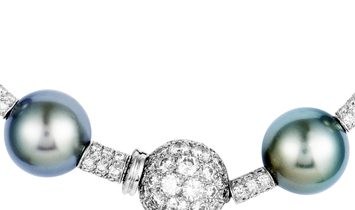 Chanel Chanel 18K White Gold Diamond and Tahitian Black Pearls Necklace