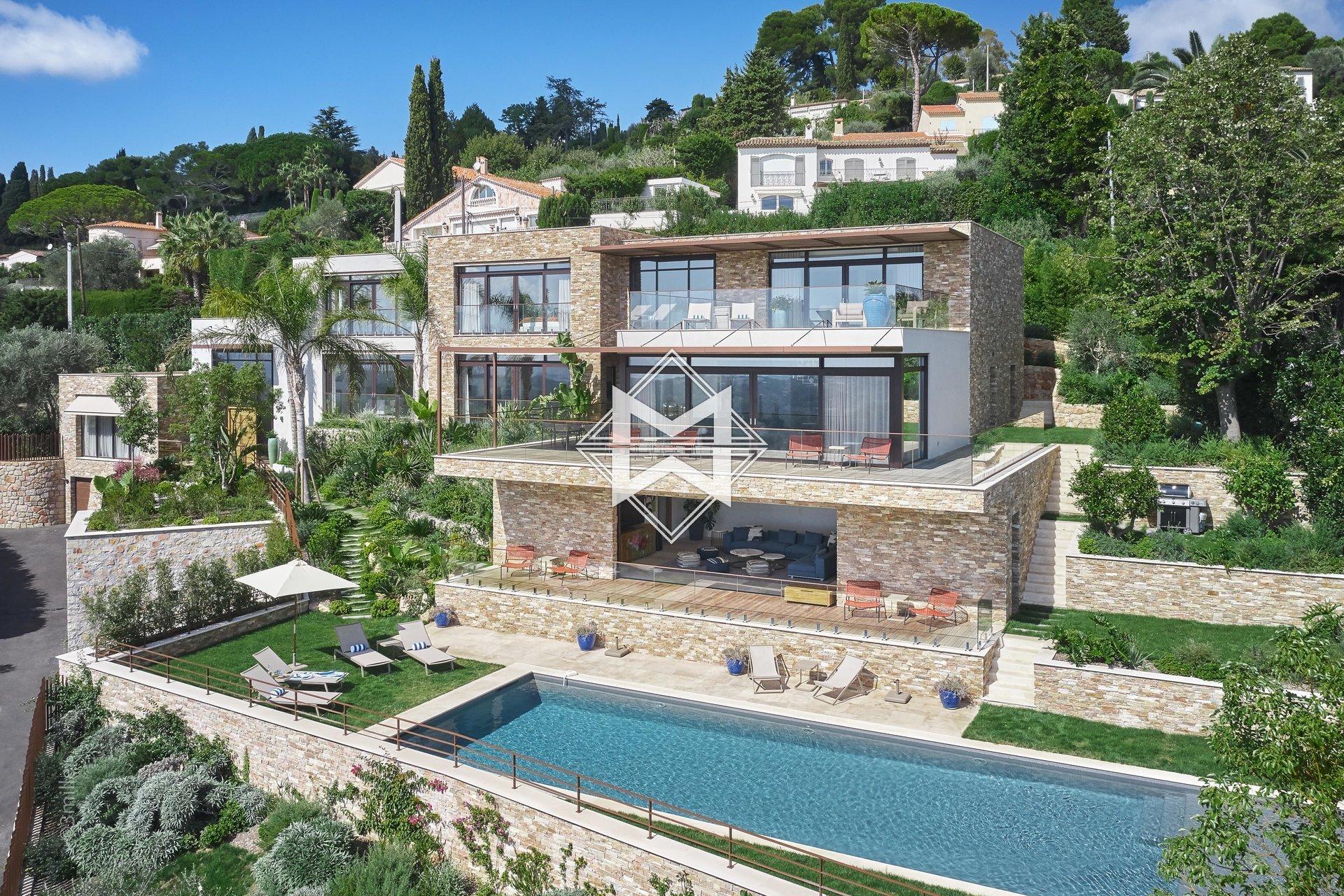 Villa in Mougins, Provence-Alpes-Côte d'Azur, France 1 - 10955370