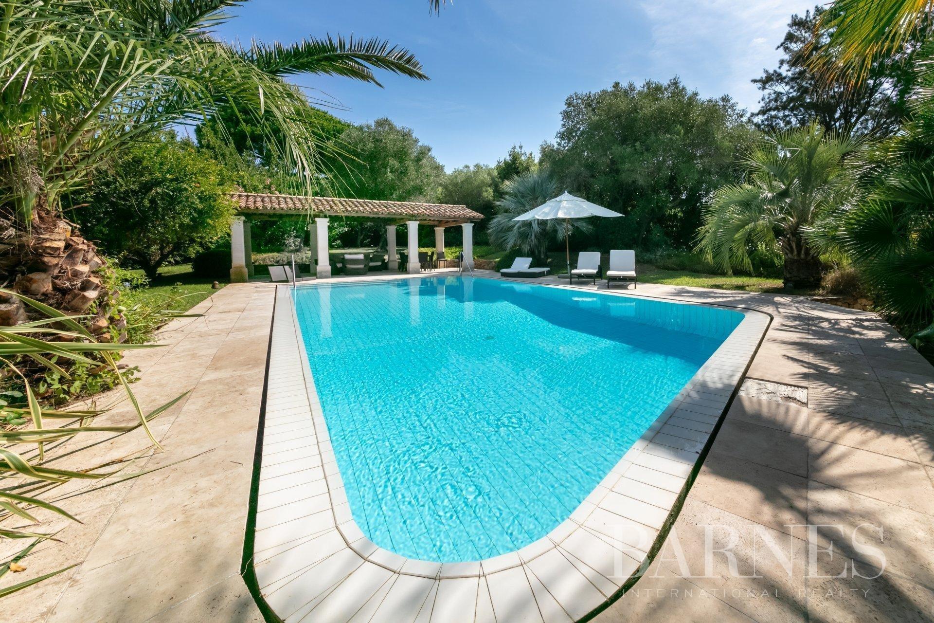 Villa in Saint-Tropez, Provence-Alpes-Côte d'Azur, France 1 - 10725921