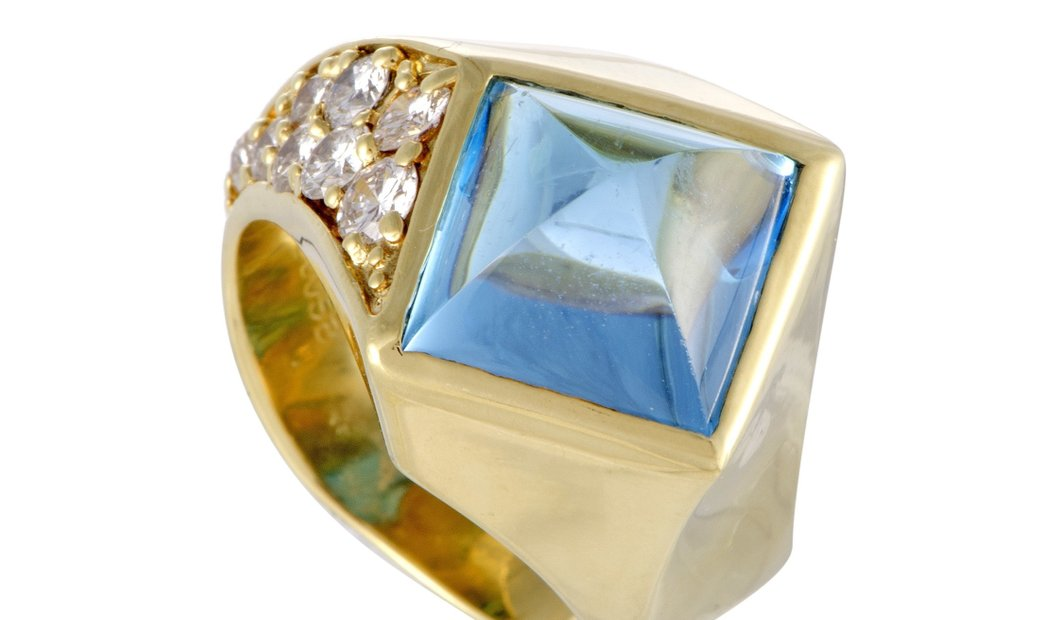 Non Branded 18K Yellow Gold Diamond and Topaz Pyramid Ring