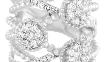 LB Exclusive 18K White Gold Diamond 3-Flower Split Band Ring