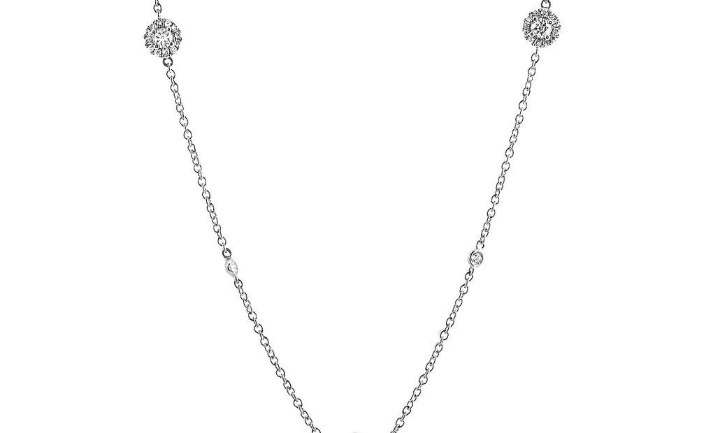 LB Exclusive LB Exclusive 18K White Gold and Diamond 5 Circle Pendant Necklace