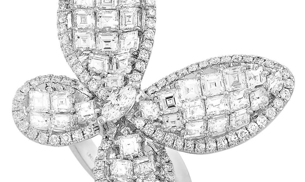 LB Exclusive LB Exclusive 18K White Gold 5.20 ct Diamond Butterfly Ring