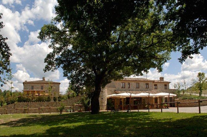 Farm Ranch in Umbria, Italy 1 - 10702579