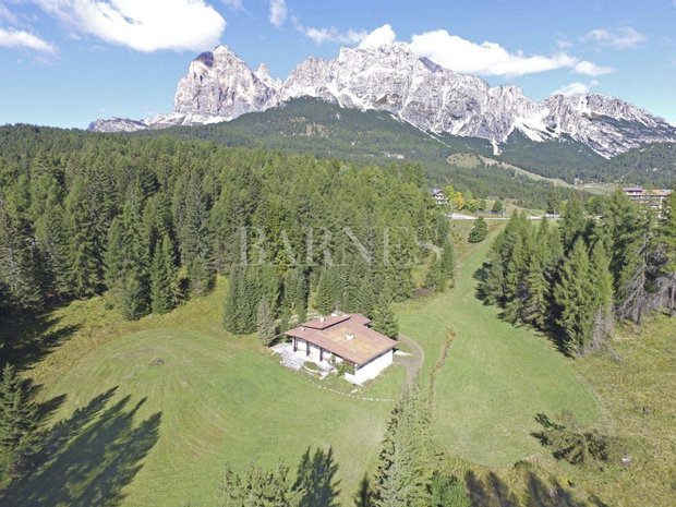 Chalet in Cortina d'Ampezzo, Veneto, Italy 1