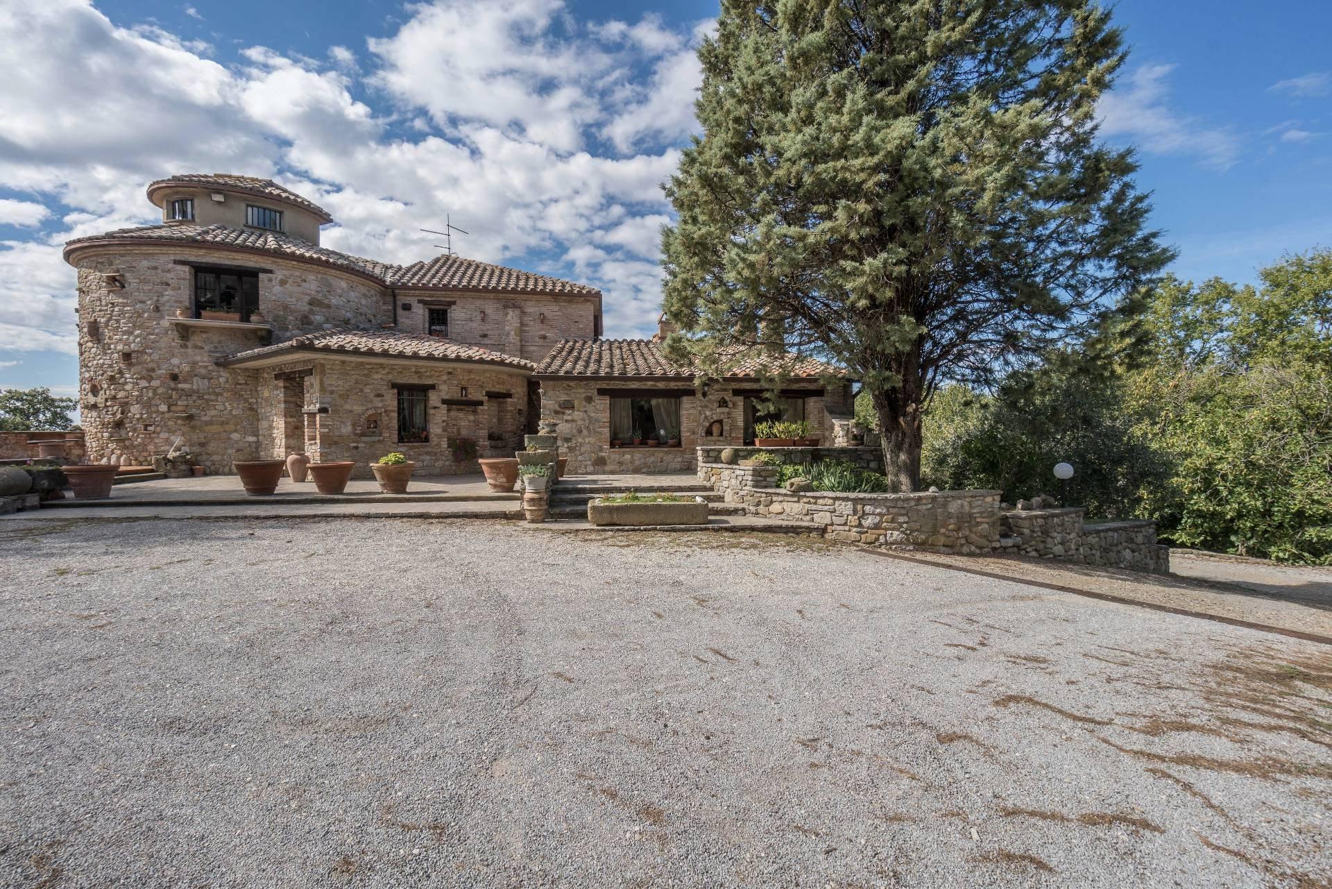 Farm Ranch in Monteleone d'Orvieto, Umbria, Italy 1 - 10702653