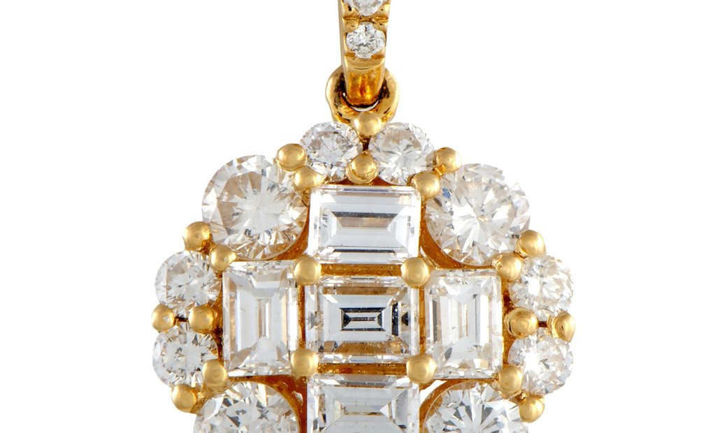 LB Exclusive LB Exclusive 18K Yellow Gold Diamond Pendant