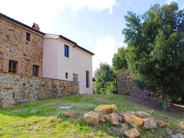 Farm Ranch in Massa Marittima, Tuscany, Italy 1