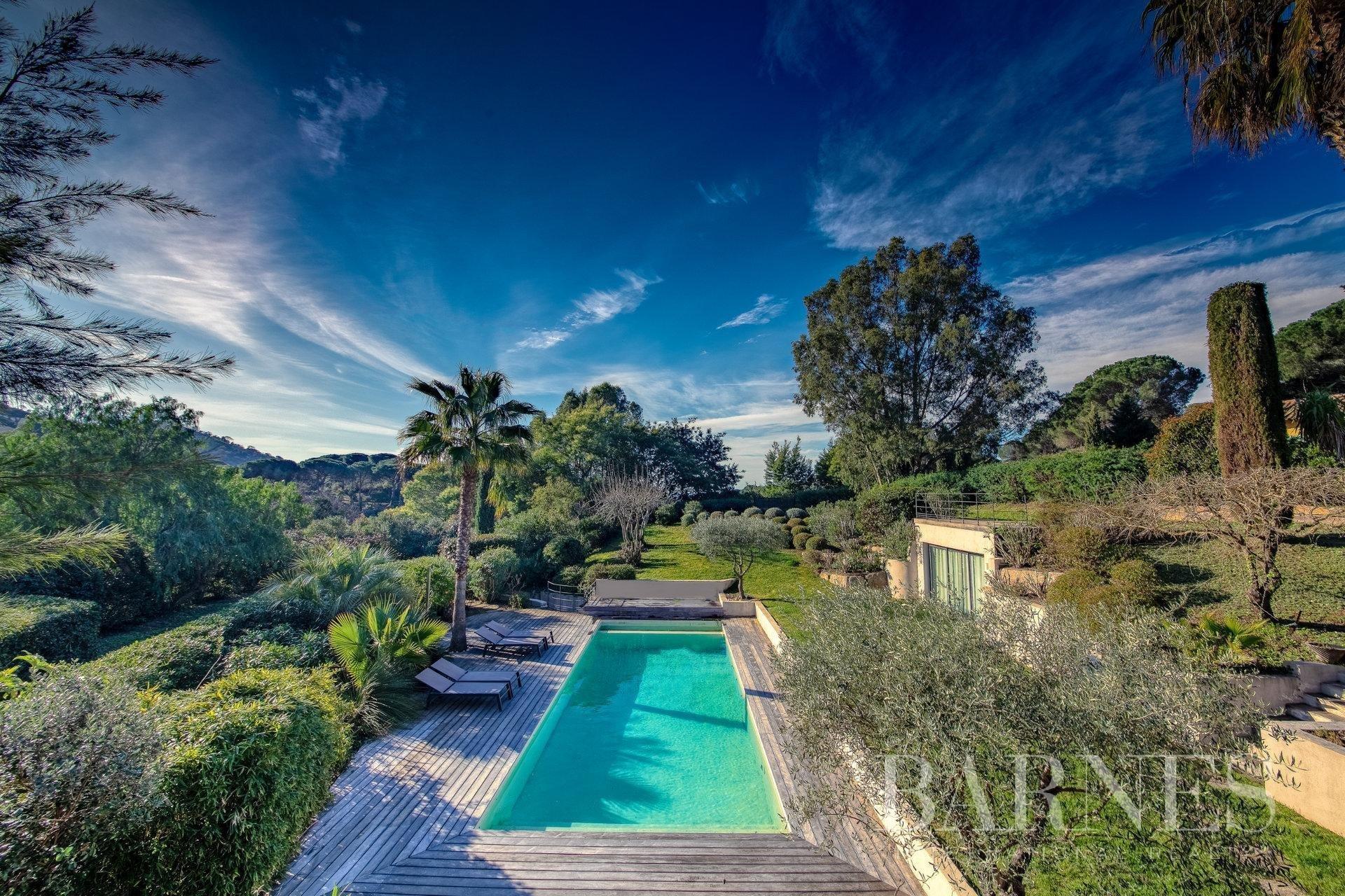 Villa in La Croix-Valmer, Provence-Alpes-Côte d'Azur, France 1 - 10886816