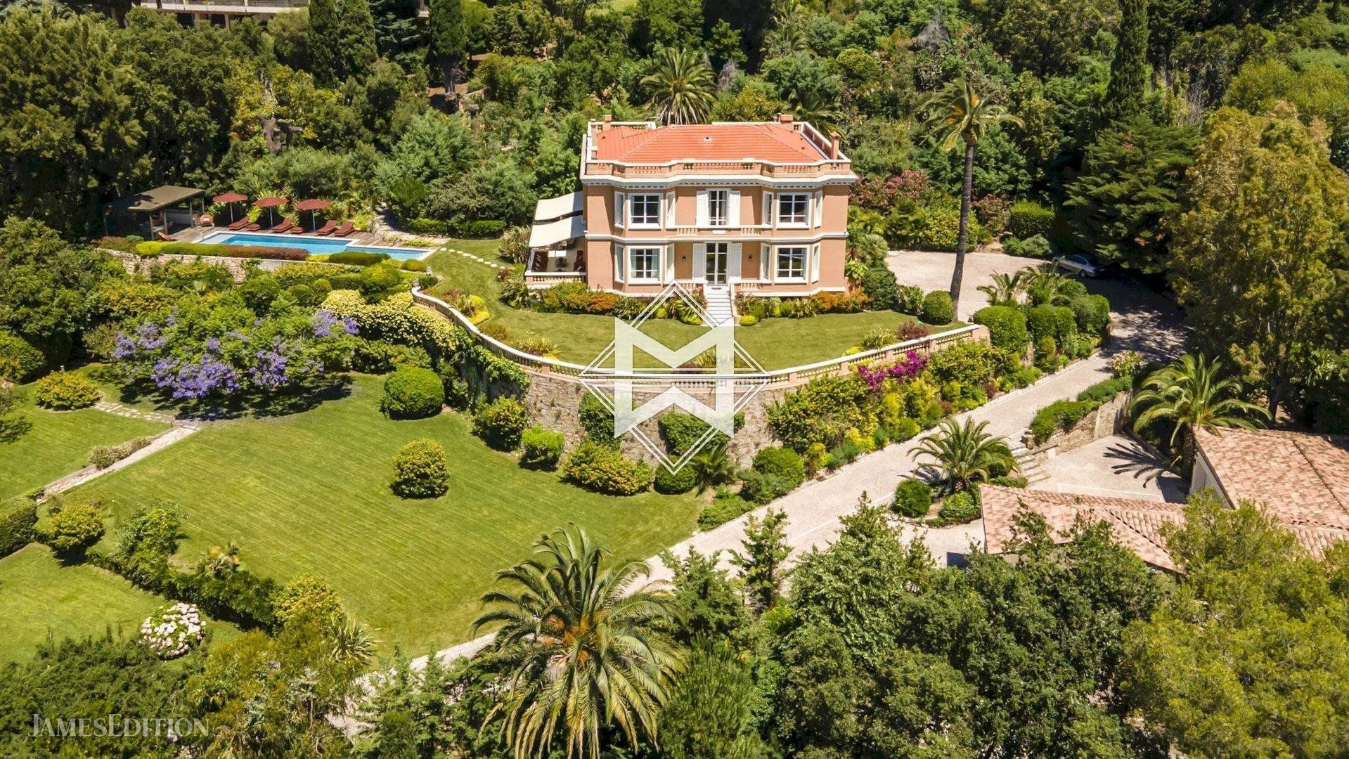 Villa in Cannes, Provence-Alpes-Côte d'Azur, France 1 - 10484624