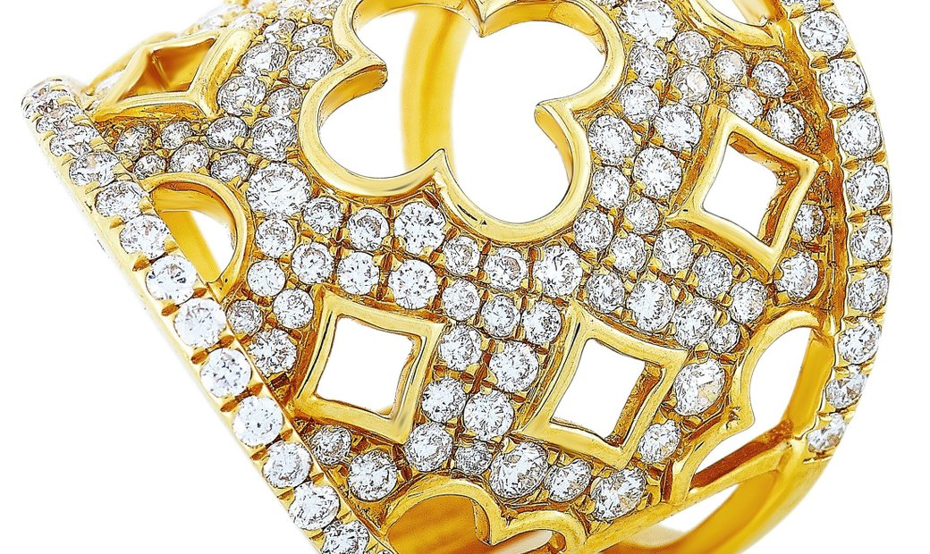 LB Exclusive LB Exclusive 18K Yellow Gold 1.68 ct Diamond Clover Cutout Wide Band Ring