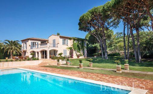 Villa in Saint-Tropez, Provence-Alpes-Côte d'Azur, France