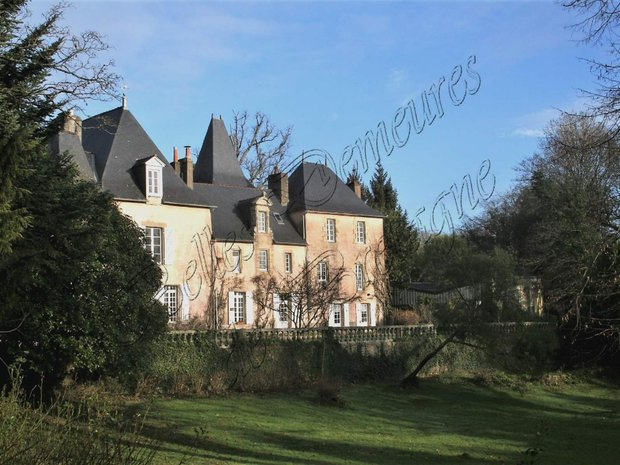 Estate in Auray, Brittany, France 1