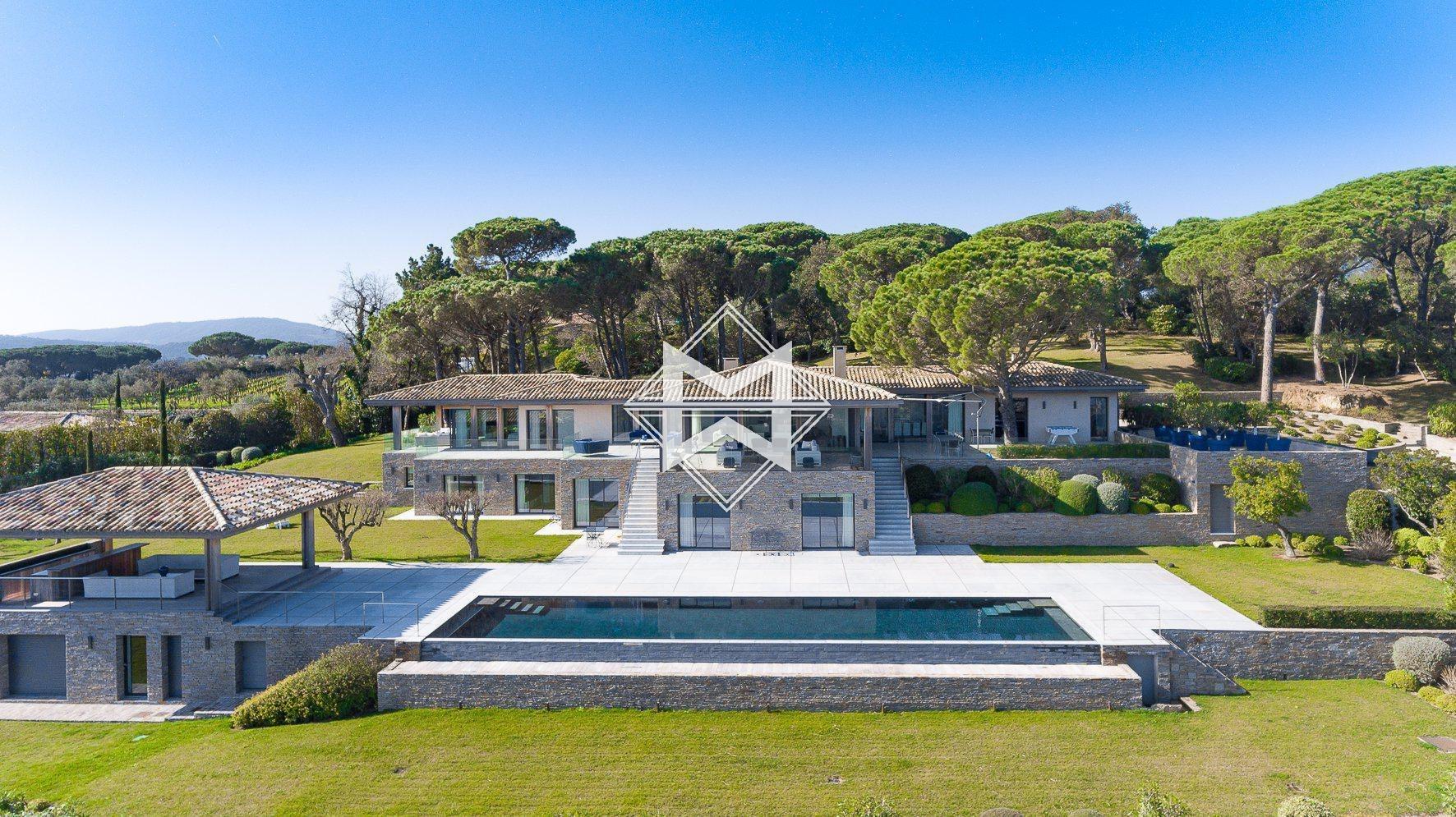 Villa in Saint-Tropez, Provence-Alpes-Côte d'Azur, France 1 - 10500684