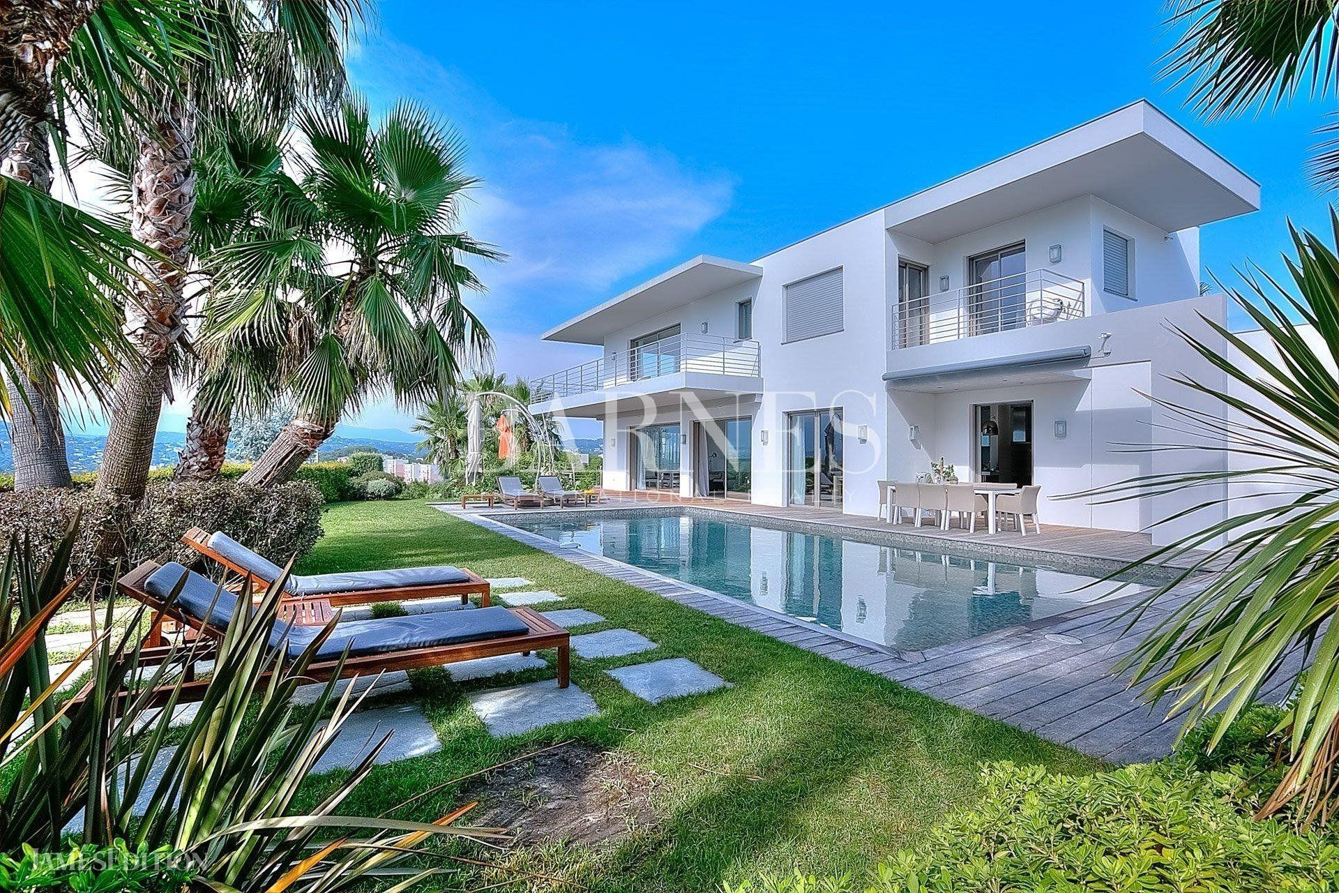 Villa in Cannes, Provence-Alpes-Côte d'Azur, France 1 - 10466672