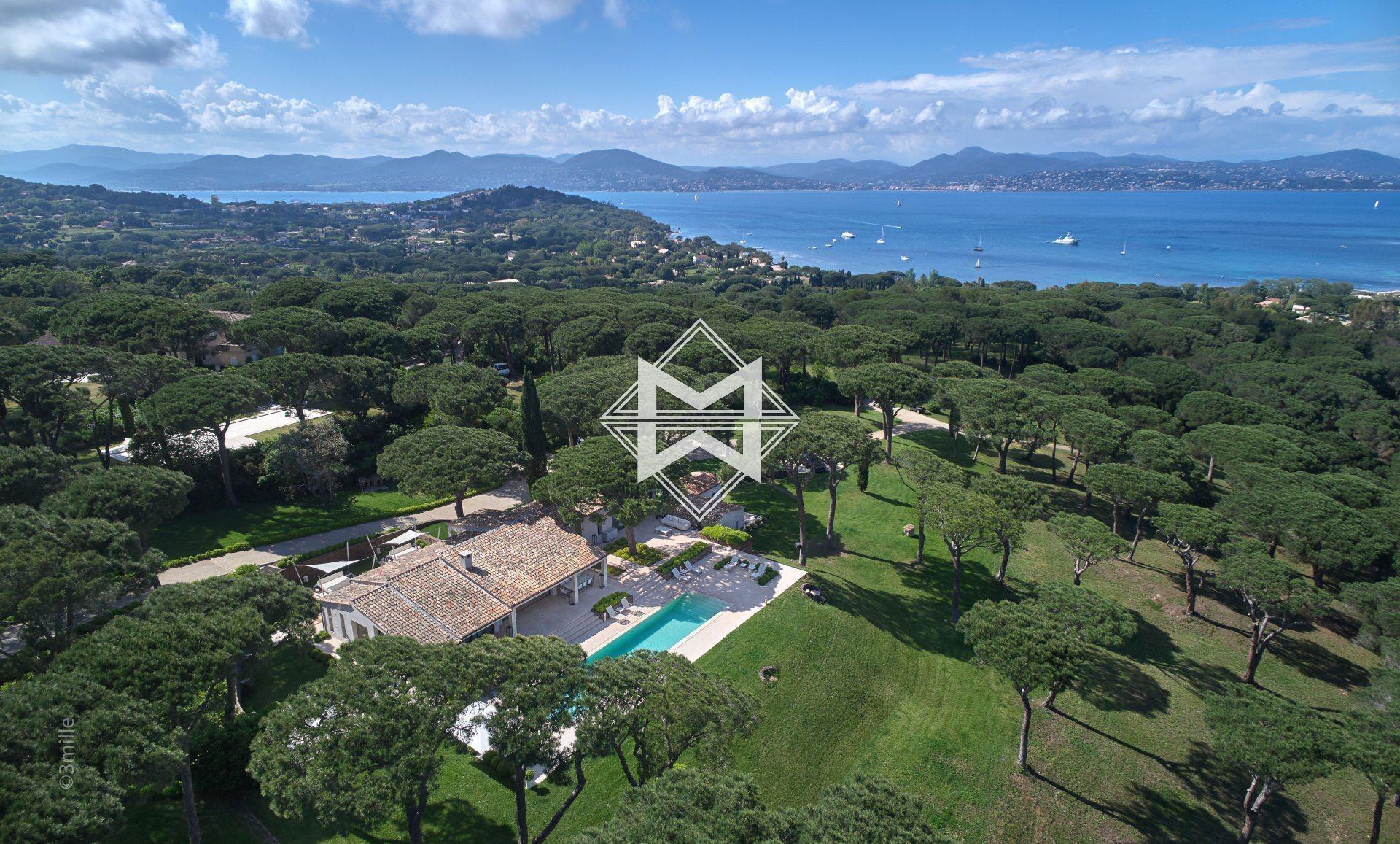 Villa in Saint-Tropez, Provence-Alpes-Côte d'Azur, France 1 - 10673103