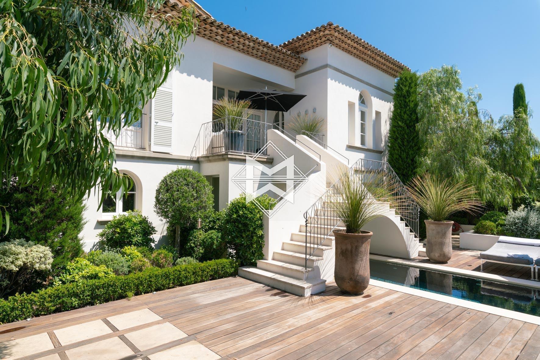 House in Saint-Tropez, Provence-Alpes-Côte d'Azur, France 1 - 10484577
