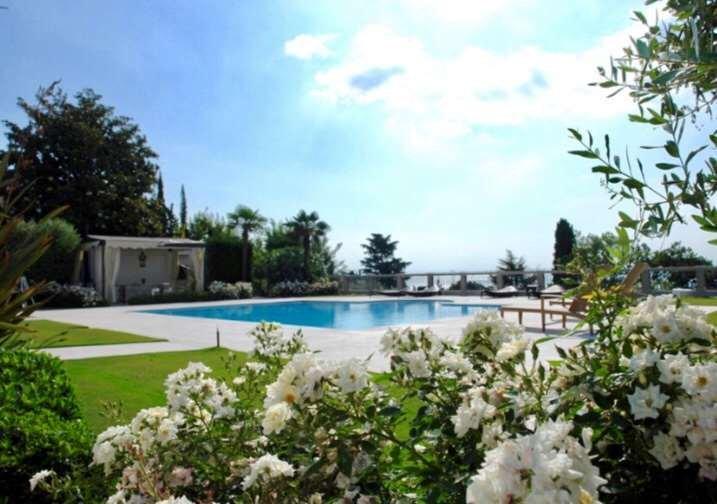 Villa in Padenghe sul Garda, Lombardy, Italy 1 - 10734258