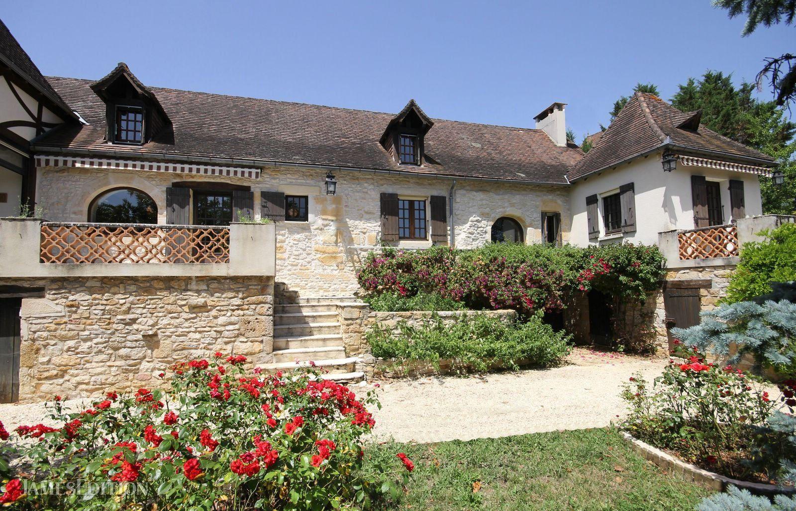 House in La Bachellerie, Nouvelle-Aquitaine, France 1