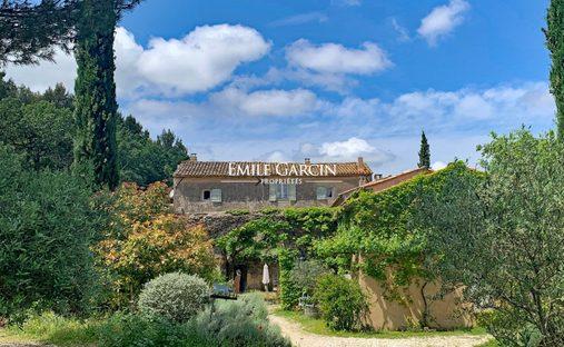House in Maubec, Provence-Alpes-Côte d'Azur, France