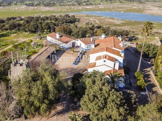 Farm Ranch in Santa Eulália, Portalegre District, Portugal 1