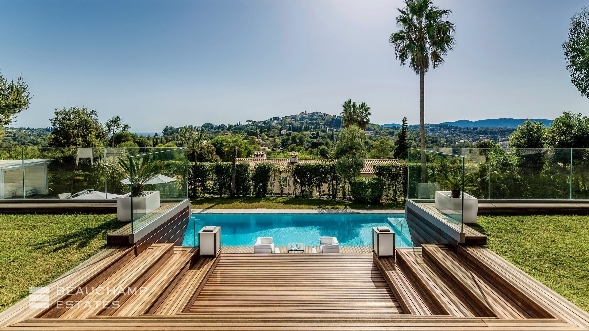 Villa in Mougins, Provence-Alpes-Côte d'Azur, France 1 - 10980642
