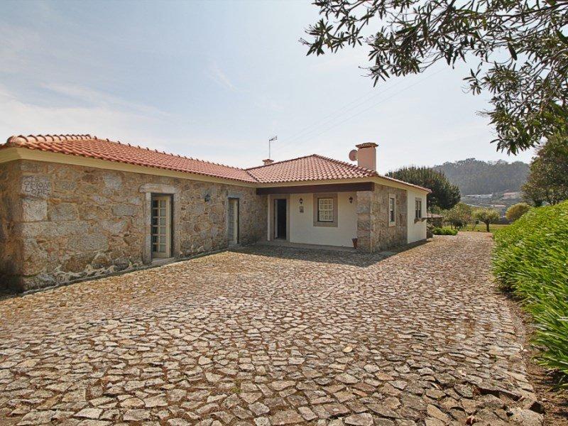 House in Romariz, Aveiro District, Portugal 1