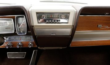 1961 Lincoln Continental Sedan