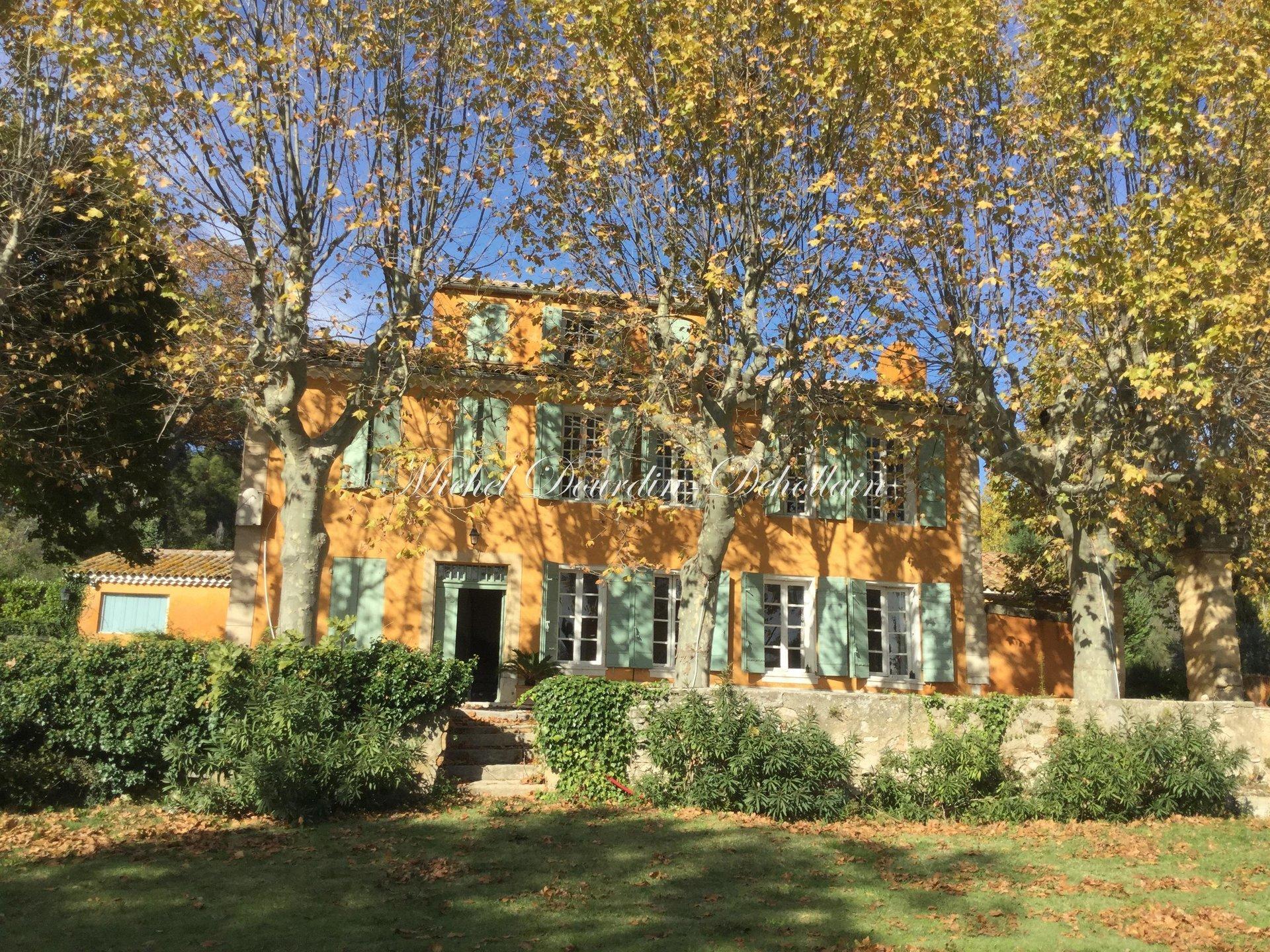 House in Aix-en-Provence, Provence-Alpes-Côte d'Azur, France 1 - 10983671