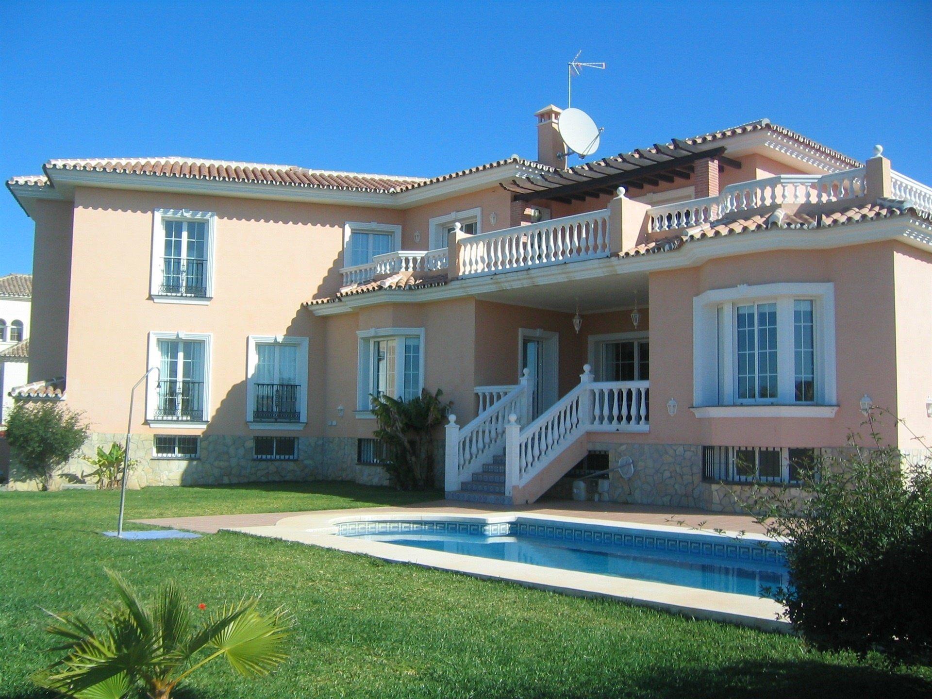 Villa in Las Lagunas de Mijas, Andalusia, Spain 1