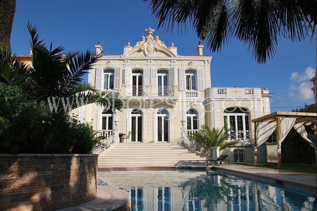 House in Cannes, Provence-Alpes-Côte d'Azur, France 1