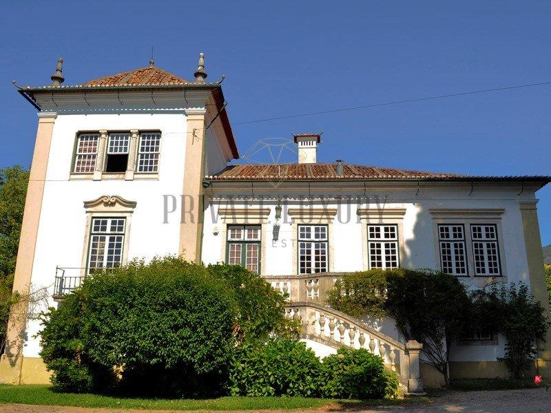 House in Lousã, Coimbra District, Portugal 1