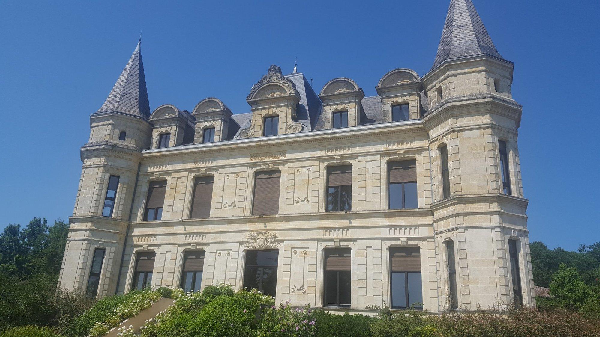 Castle in Créon, Nouvelle-Aquitaine, France 1
