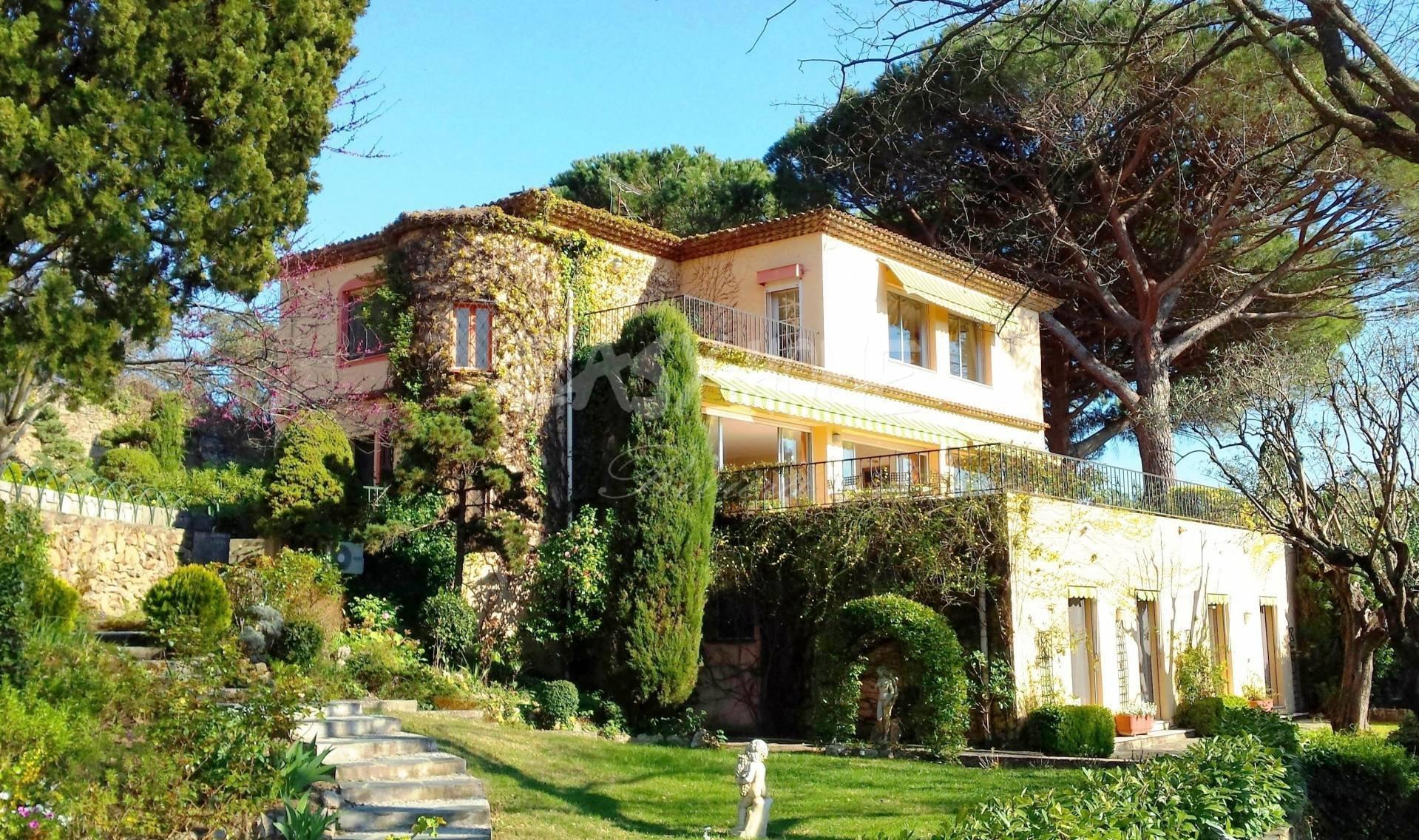 House in Cannes, Provence-Alpes-Côte d'Azur, France 1 - 10737738