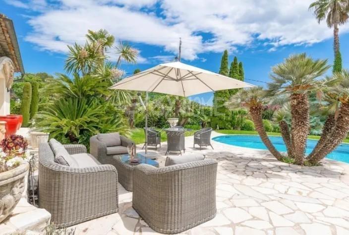 Villa in Mougins, Provence-Alpes-Côte d'Azur, France 1 - 10864096